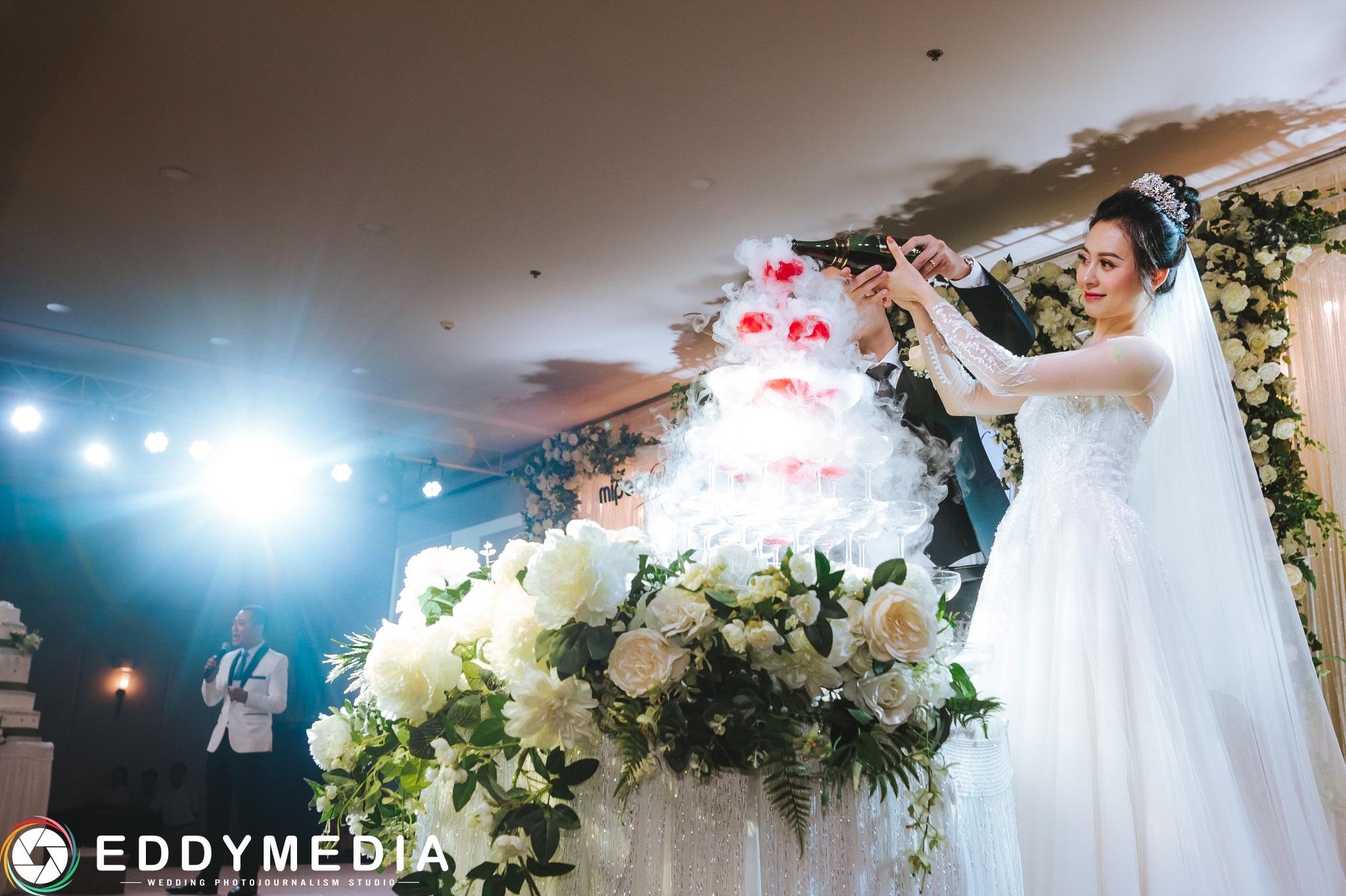Phongsucuoi VietDung HoaLinh MipecTaySon EddyMedia 34 giá chụp ảnh đám cưới,giá chụp ảnh tiệc cưới,thuê chụp ảnh ngày cưới